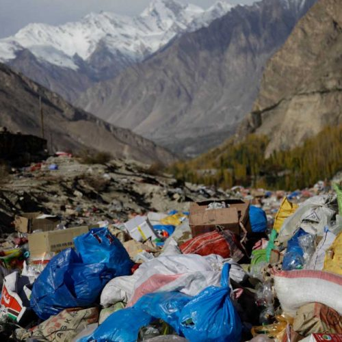 trash-at-the-base-of-the-mountains